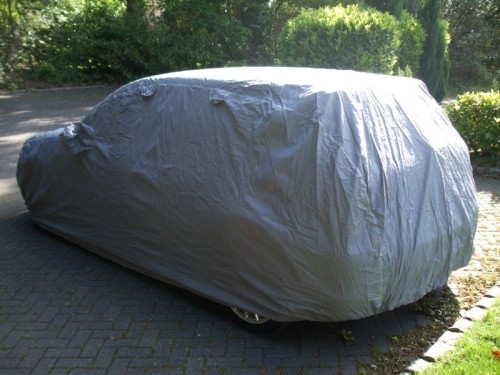 Monsoon Cover completely covering Golf Mk 4
